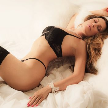 lina-bella-independent-escort-montreal-vip-companion