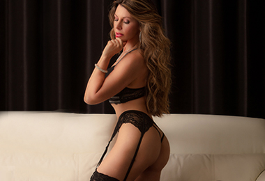 mature-independent-escort-montreal-lina-bella