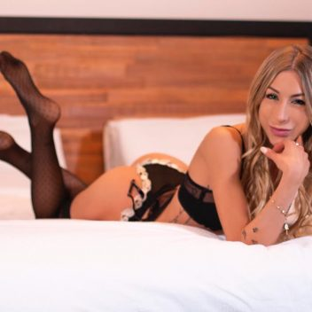 Montreal independent escort Esme